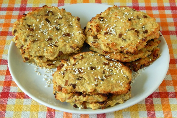 Baked apple fritters with amaranth, gluten free
