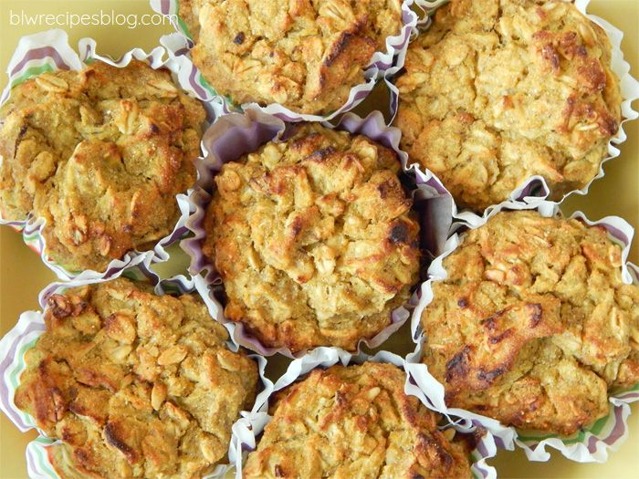 Oatmeal muffins with pumpkin, apples and cinnamon