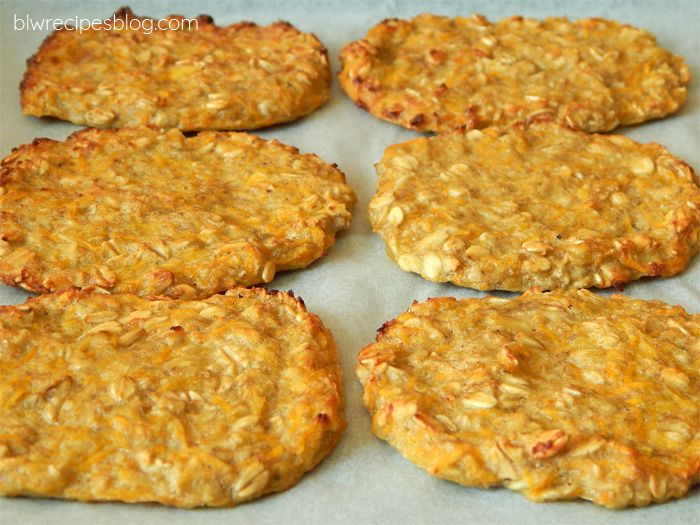 Carrot and oat flakes fritters